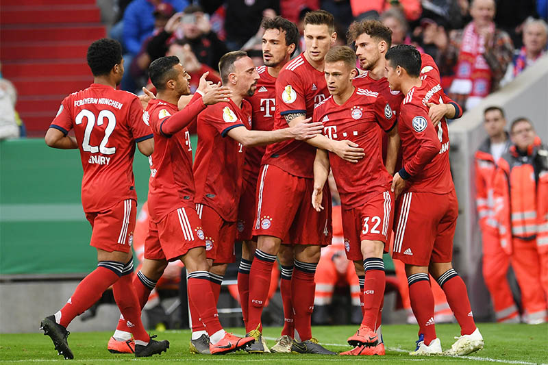 Bayern Munich's Leon Goretzka celebrates scoring their first goal with team mates. Photo: Reuters