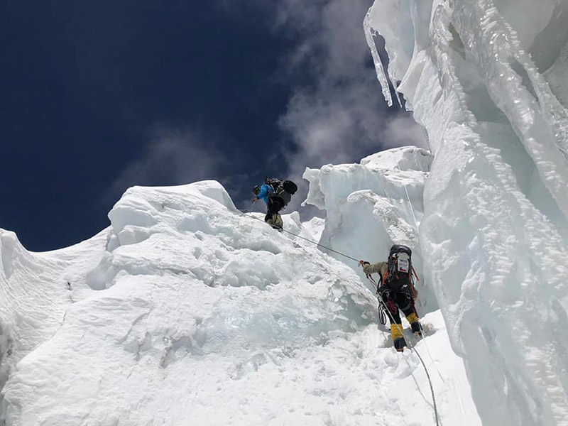 Climbers acclimatisation rotation on Mt Kanchenjunga. Photo Courtesy: Hernan Leal