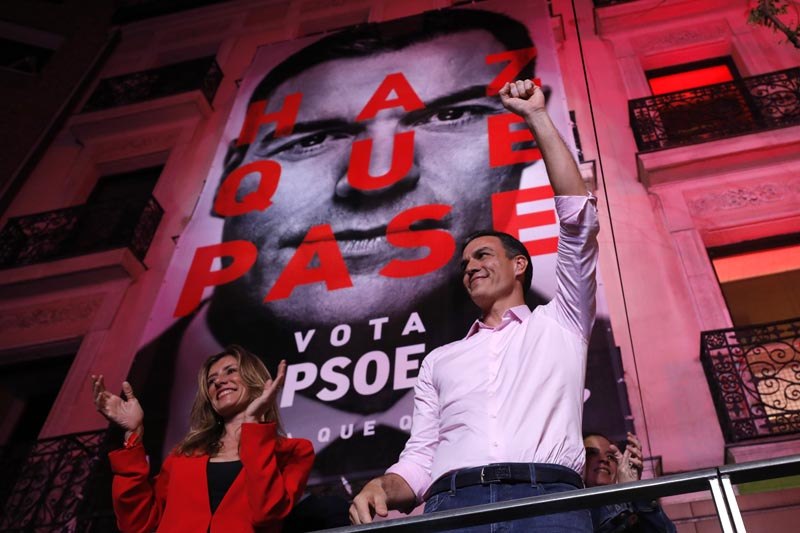 Spain's Prime Minister and Socialist Party leader Pedro Sanchez gestures to supporters outside the party headquarters following the general election in Madrid, Spain, Sunday, April 28, 2019. Photo: AP