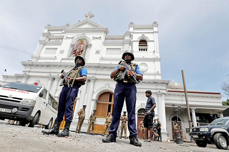 Sri Lankan military officials stand guard in front of the St. Anthony's Shrine, Kochchikade church after an explosion in Colombo, Sri Lanka April 21, 2019. Photo: Reuters