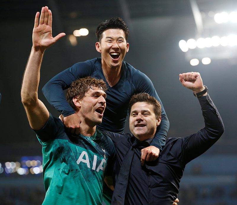 Tottenham manager Mauricio Pochettino, Tottenham's Fernando Llorente and Son Heung-min celebrate after the Champions League Quarter Final Second Leg match between Manchester City and Tottenham Hotspur, at Etihad Stadium, in Manchester, Britain, on April 17, 2019. Photo: Reuters