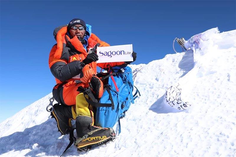 Kami Rita Sherpa on top of Mt Everest on April 15, 2019. Photo Courtesy: Seven Summit Treks