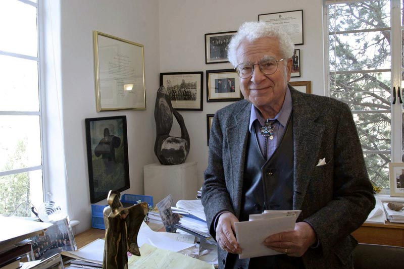 FILE: In this November 14, 2003, file photo, Santa Fe Institute co-founder Murray Gell-Mann, winner of the 1969 Nobel Prize for physics, is seen Santa Fe Institute in Santa Fe, New Mexico. Photo: AP/file
