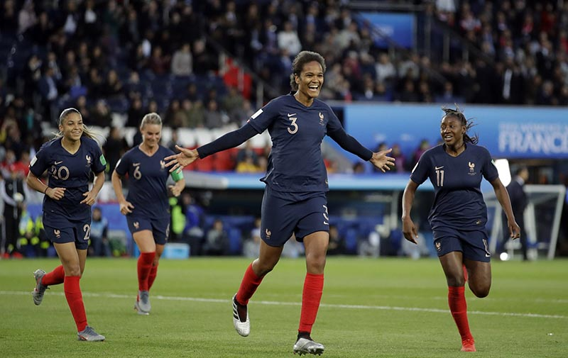France's Wendie Renard, middle, celebrates with teammates after scoring her second goal during the Women's World Cup Group A soccer match between France and South Korea at the Parc des Princes in Paris, Friday, June 7, 2019. Photo: AP