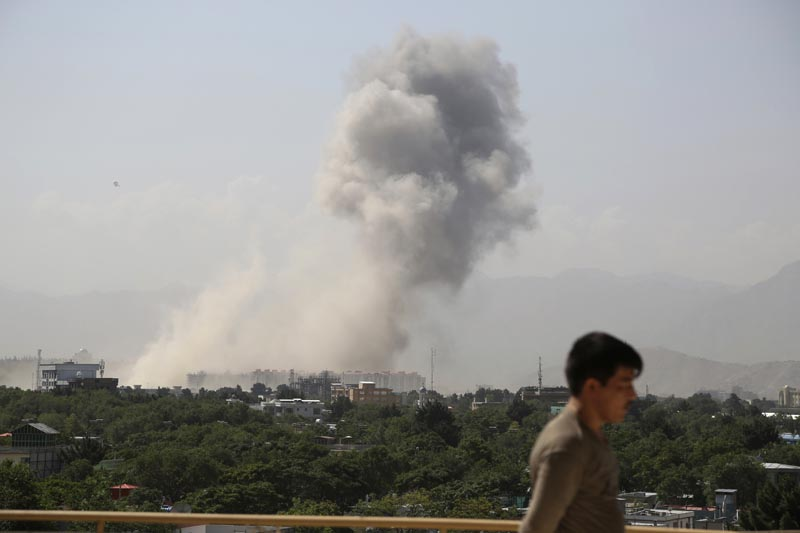 Smokes rises after a huge explosion in Kabul, Afghanistan, Monday, July 1, 2019. Photo: AP