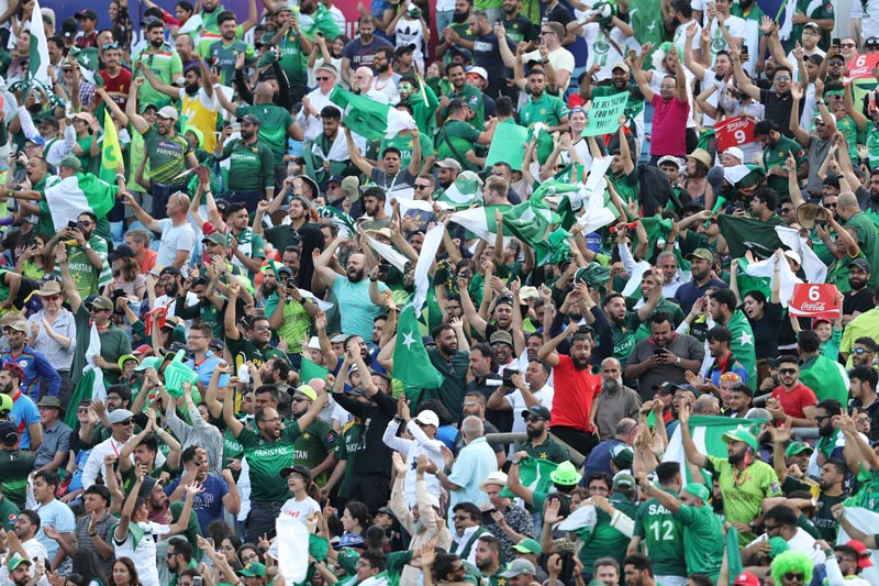 Pakistani cricket fans celebrate their team's victory during the Cricket World Cup match between Pakistan and Afghanistan at Headingley in Leeds, England, Saturday, June 29, 2019. Photo: AP