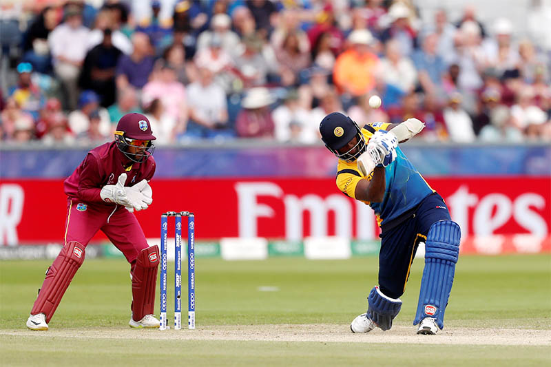 Sri Lanka's Angelo Mathews in action. Photo: Reuters