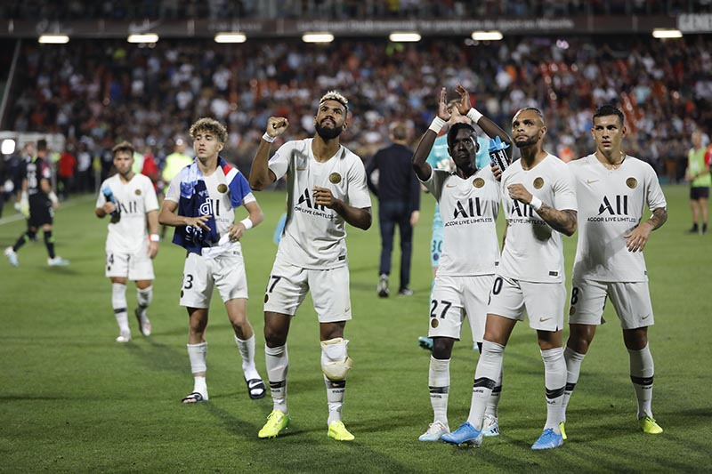 PSG's soccer players celebrate at the end of the French League One soccer match between Metz and PSG in Strasbourg, eastern France, on Friday, August 30, 2019. Photo: AP