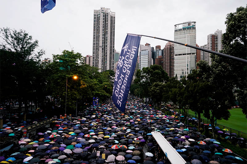 Anti-extradition bill protesters march to demand democracy and political reforms, in Hong Kong, China August 18, 2019. Photo: Reuters