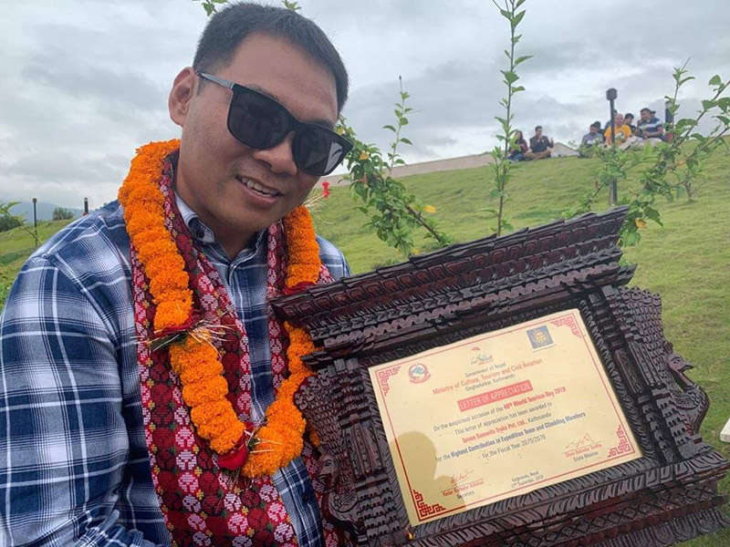Mingma Sherpa with letter of appreciation. Photo Courtesy: Mingma Sherpa