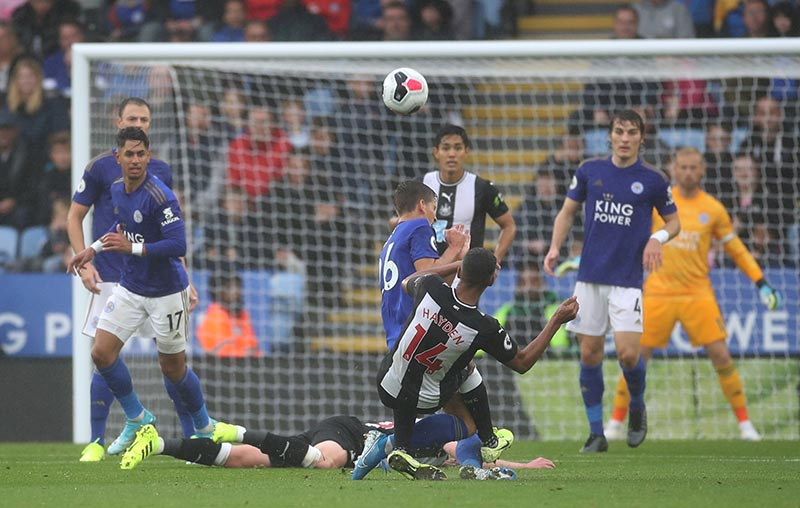 Newcastle United's Isaac Hayden fouls Leicester City's Dennis Praet and is subsequently shown a red card by referee Craig Pawson during the Premier League, match between Leicester City and Newcastle United, at King Power Stadium, in Leicester, Britain, on September 29, 2019. Photo: Action Images via Reuters