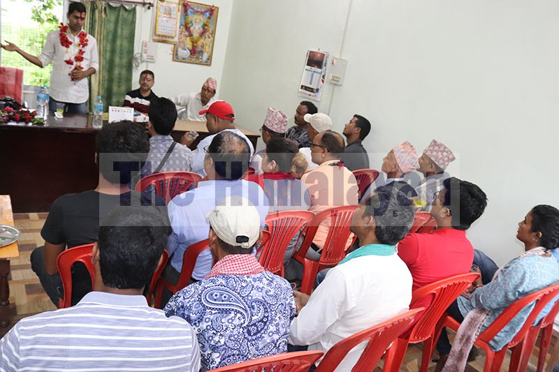 Farmers are seen addressing the ongoing problems in sugarcane farming in the presence of a team from the provincial Ministry of Agriculture and Cooperatives, in Dhangadi, on September 12, 2019. Photo: Tekendra Deuba/THT