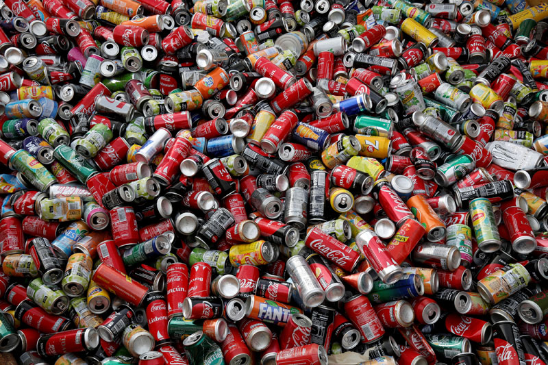 Recycle cans are seen at Veolia Proprete France Recycling company in Gennevilliers, near Paris, France August 24, 2017. Photo: Reuters/File