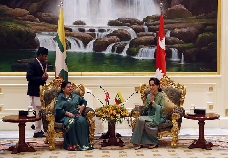 Myanmar's leader Aung San Suu Kyi (right) speaks with Nepali President Bidya Devi Bhandari (left) during their meeting at the Presidential Palace in Naypyitaw, Myanmar, on Thursday, Oct. 17, 2019. Photo: AP
