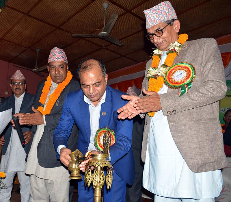 Agriculture and Livestock Development Minister Chakrapani Khanal (centre) inaugurating a programme, in Damauli, on Thursday, October 17, 2019. Photo: RSS