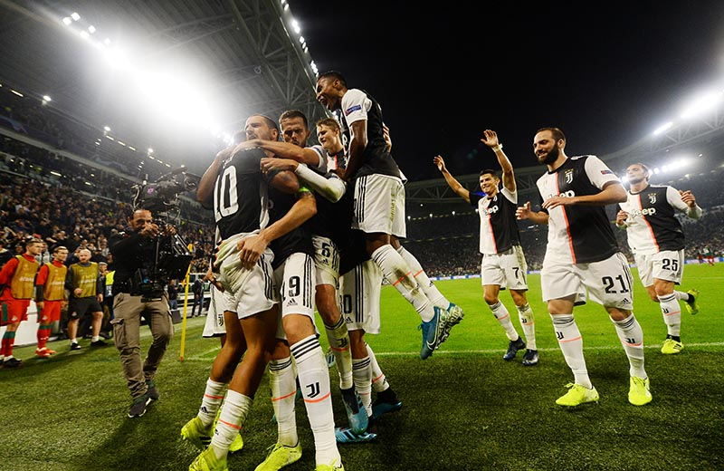 Juventus' Paulo Dybala celebrates scoring their second goal with team mates during the Champions League Group D match between Juventus and Lokomotiv Moscow, at Allianz Stadium, in Turin, Italy, on October 22, 2019. Photo: Reuters