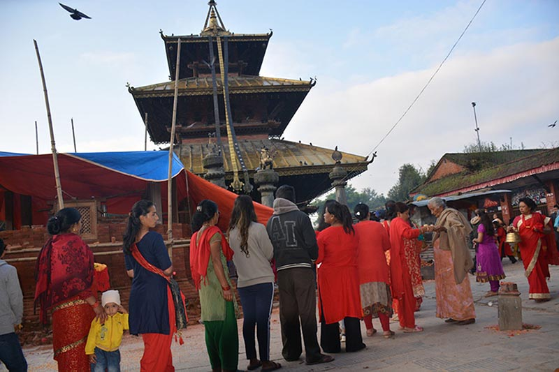 Hindu devotees wait in queue to pay obeisance to the Goddess on the occasion of Maha Nawami, ninth day of 10-day-long Bada Dashain festival, at Chandeshwari temple, in Banepa Municipality-5, Kavrepalanchok district, on Monday, October 7, 2019. Photo: RSS