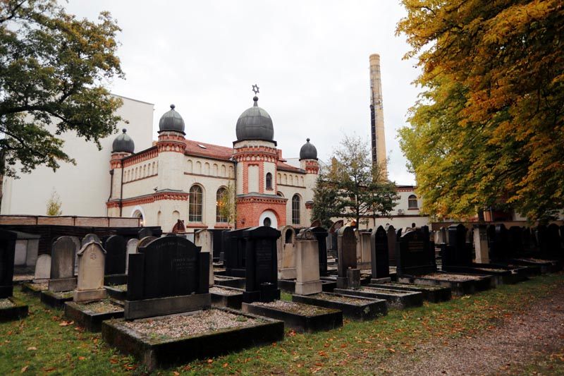 A general view of a cemetery at the synagogue in Halle, Germany October 10, 2019, after two people were killed in a shooting. Photo: Reuters
