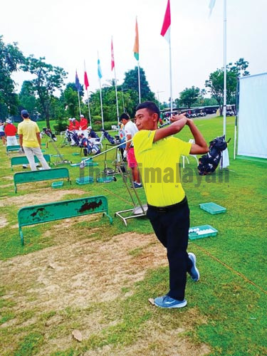 Subash Tamang of Nepal plays a shot during practice ahead of the 85th Singha Thailand Amateur Open in Bangkok on Tuesday, October 2, 2019.Photo courtesy: NGA