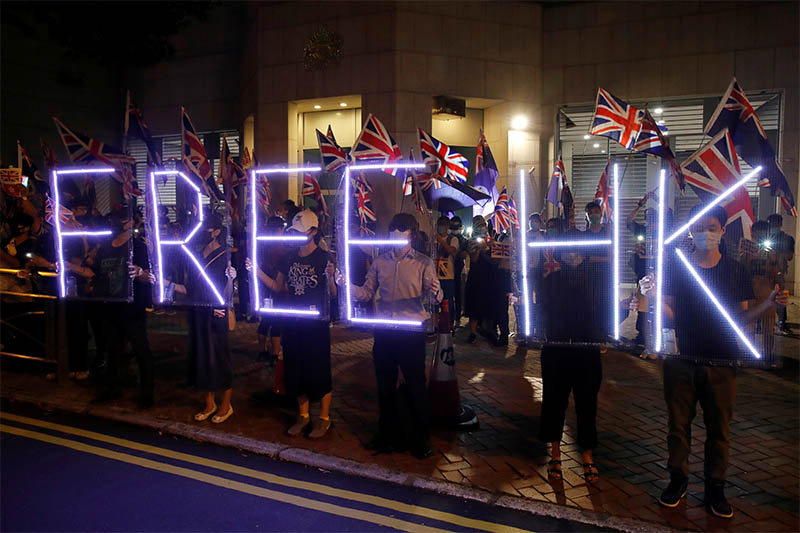 Anti-government demonstrators protest in front of the UK consulate in Hong Kong, China, October 23, 2019. Photo: Reuters