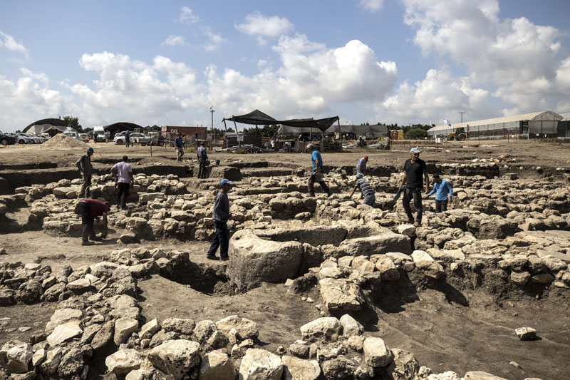 Archeologists work at a large, 5,000-year-old city in northern Israel. Photo: AP