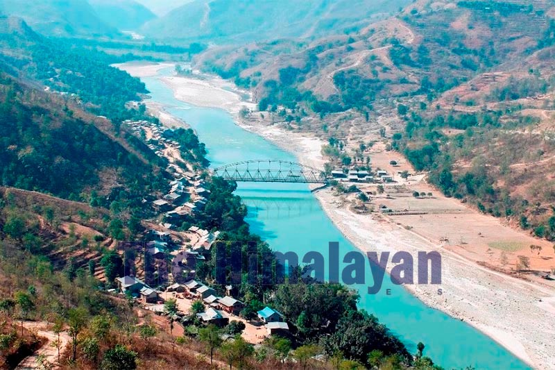 A view of Ramritha Bazaar that lies on the banks of the Arun River in Mahalaxmi Municipality, Dhankuta, on Sunday, October 20, 2019. Photo: THT