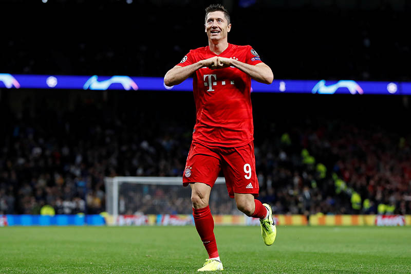 Bayern Munich's Robert Lewandowski celebrates scoring their sixth goal. Photo: Reuters