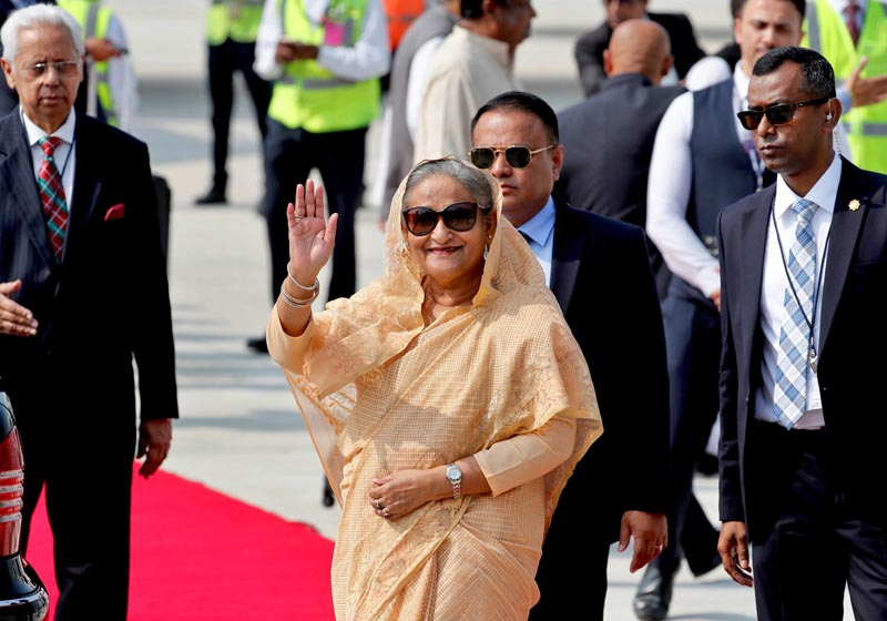 Bangladesh Prime Minister Sheikh Hasina waves as she arrives at the airport in New Delhi, India, Thursday, Oct 3, 2019. Photo: AP