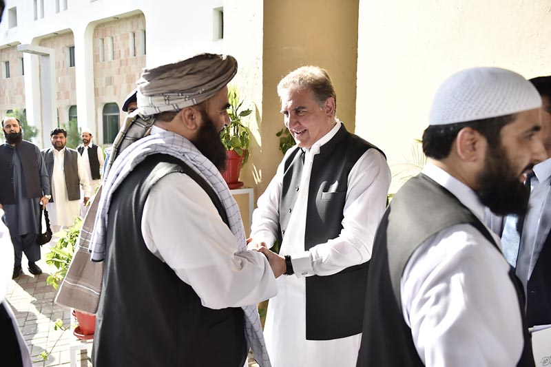In this photo released by the Foreign Office, Pakistan's Foreign Minister Shah Mehmood Qureshi (centre) receives members of Taliban delegation at the Foreign Office in Islamabad, Pakistan, Thursday, October 3, 2019. Photo: Pakistan Foreign Office via AP