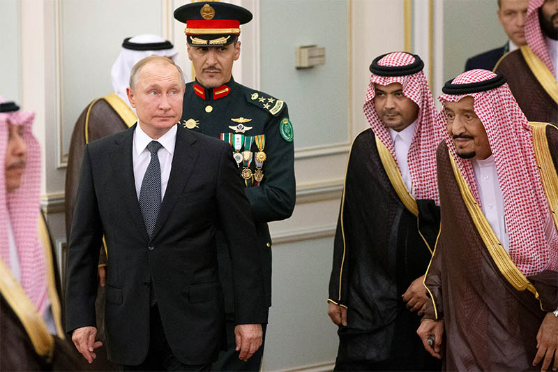 Russian President Vladimir Putin and Saudi Arabia's King Salman attend the official welcome ceremony in Riyadh, Saudi Arabia, October 14, 2019. Photo: Reuters