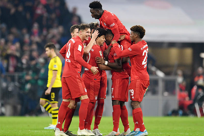 Bayern Munich's Serge Gnabry celebrates scoring their second goal with teammates. Photo: Reuters