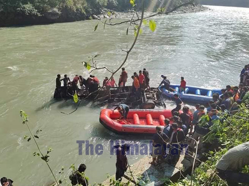 A view of the incident site where a bus plunged into the Sunkoshi River, at Sukute, in Sindhupalchowk, on Sunday, November 03, 2019. Photo: Gokarna Bhandari/THT