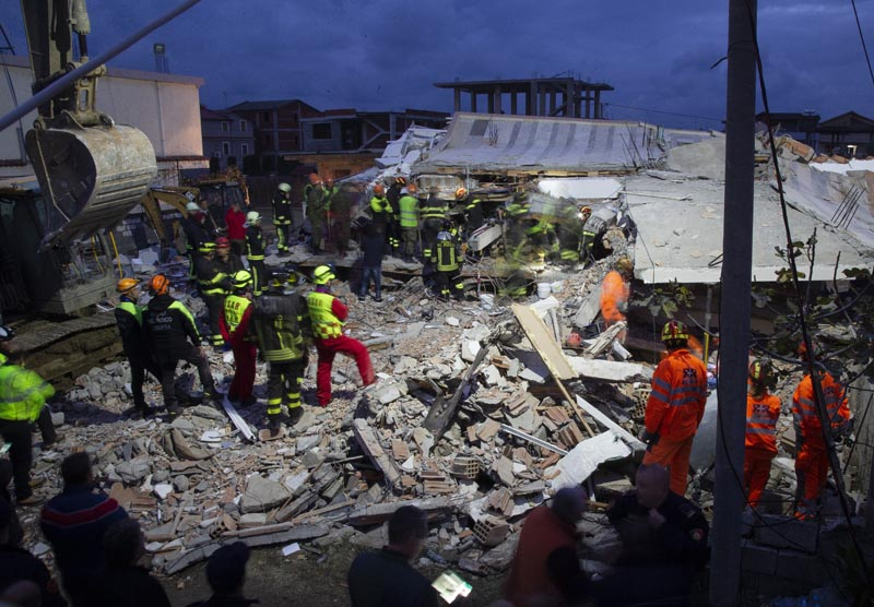 Rescue workers search for survivors following an earthquake, in Durres, Albania, Wednesday, November 27, 2019. Photo: AP