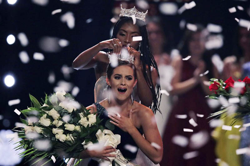 Camille Schrier, of Virginia, reacts as she is crowned after winning the Miss America competition at the Mohegan Sun casino in Uncasville, Conn., Thursday, Dec, 19, 2019. Photo: AP