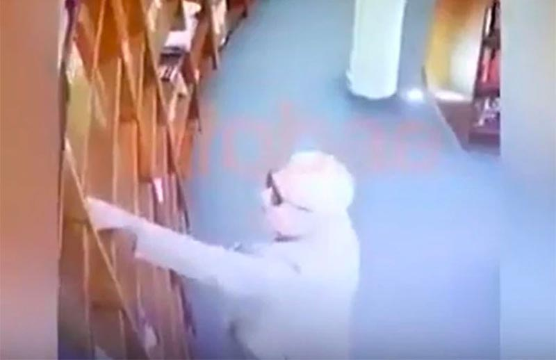 Video captured the ambassador taking a book of a shelf at a Buenos Aires bookstore. Photo courtesy: Mexico News Daily