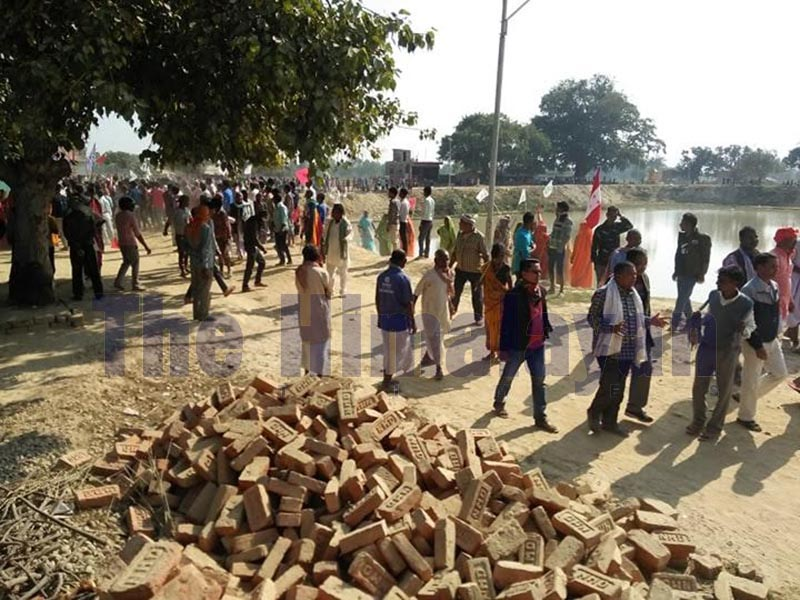 Locals staging protest against financial irregularities at Laxmipurpatari Rural Municipality in Siraha, on Sunday, December 8, 2019. The protest took an ugly turn after protesters resorted to vandalism. Photo: THT