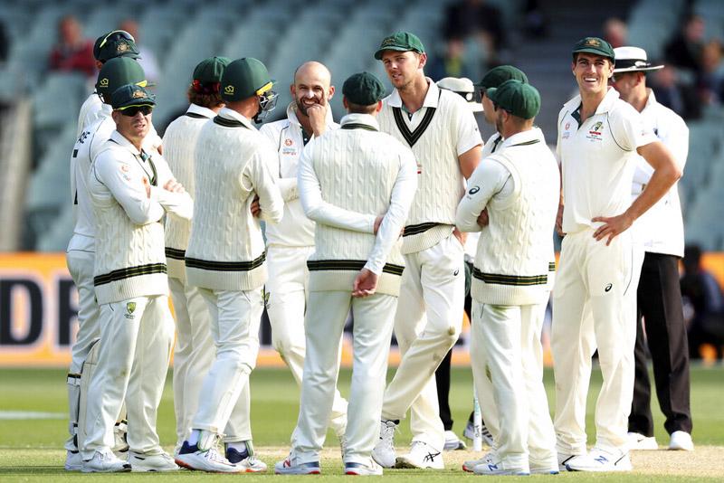 Australia's Nathan Lyon celebrates the wicket of Pakistan's Yasir Shah during their cricket test match in Adelaide, Monday, December 2, 2019. Photo: AP
