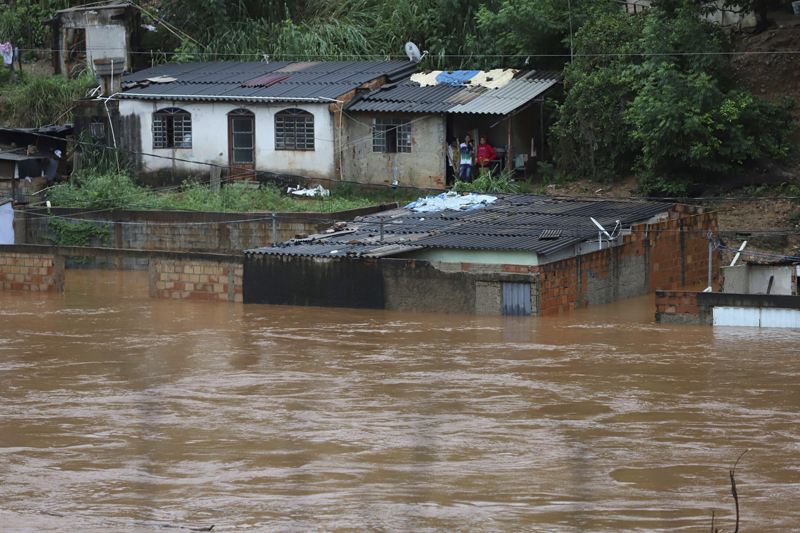 A view of flooded houses caused by heavy rains in Sabara municipality, Minas Gerais state, Brazil, Friday, Jan 24, 2020. Photo: AP