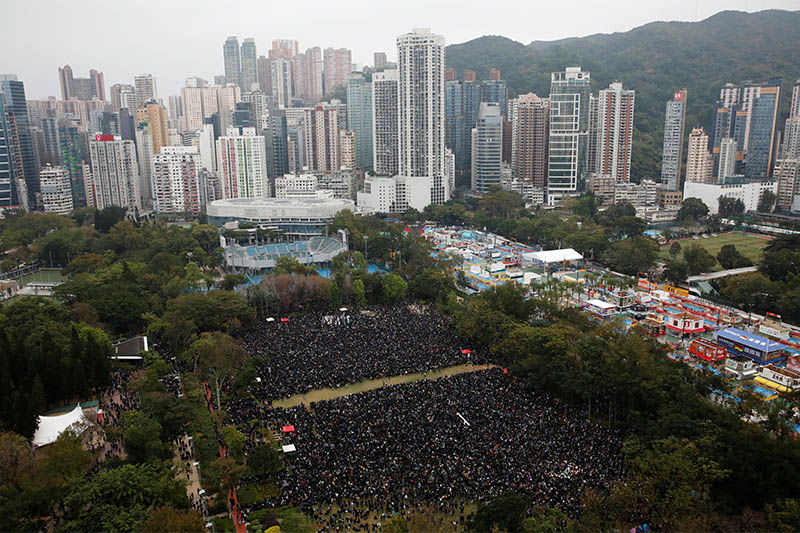 Anti-government protesters attend a demonstration on New Year's Day to call for better governance and democratic reforms in Hong Kong, China, January 1, 2020. Photo: Reuters