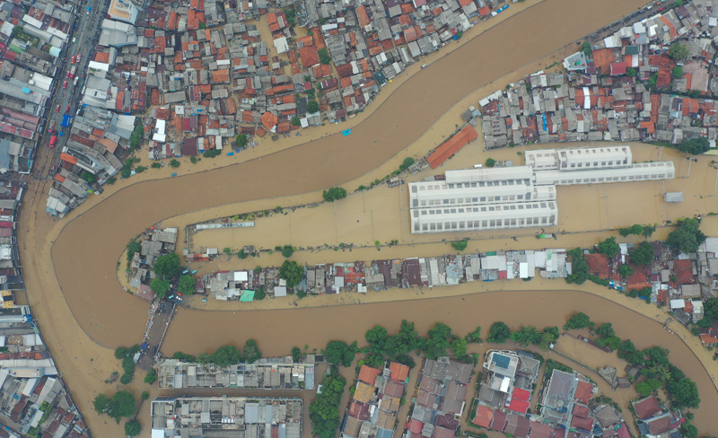 Aerial picture of an area affected by floods, next to Ciliwung river in Jakarta, Indonesia January 2 2020. Photo: Antara Foto/Nova Wahyudi/via Reuters