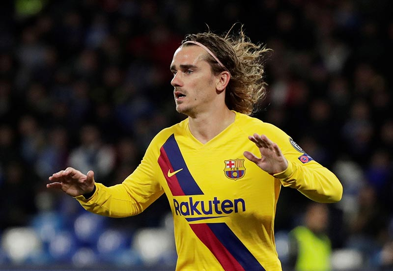 Barcelona's Antoine Griezmann celebrates scoring their first goal during the Champions League Round of 16 First Leg match between Napoli and FC Barcelona, at Stadio San Paolo, in Naples, Italy, on February 25, 2020. Photo: Reuters