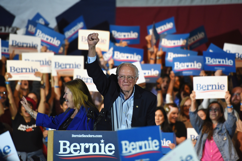 US 2020 Democratic presidential candidate Senator Bernie Sanders lifts his fist at a campaign rally in San Antonio, Texas, US February 22, 2020. Photo: Reuters