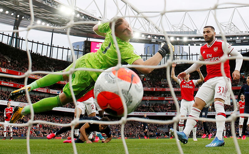 Everton's Dominic Calvert-Lewin scores their first goal during the Premier League match between Arsenal and Everton, at Emirates Stadium, in London, Britain, on February 23, 2020. Photo: Reuters