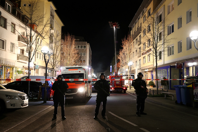 Police officers secure an area after a shooting in Hanau near Frankfurt, Germany, February 20, 2020. Photo Reuters