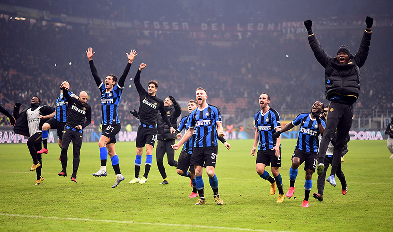 Inter Milan players celebrate after the match during the Serie A match between Inter Milan and AC Milan, at  San Siro, in Milan, Italy, on February 9, 2020. Photo: Reuters