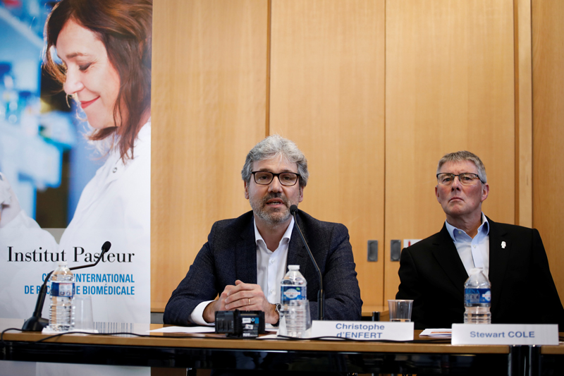 Christophe d'Enfert, Scientific Director at Institut Pasteur and Stewart Cole, General Director at Institut Pasteur attend a news conference over latest findings on coronavirus dubbed 2019-nCoV, and introduces Pasteur's Outbreak Investigation Task Force in Paris, France, January 31, 2020. Photo: Reuters