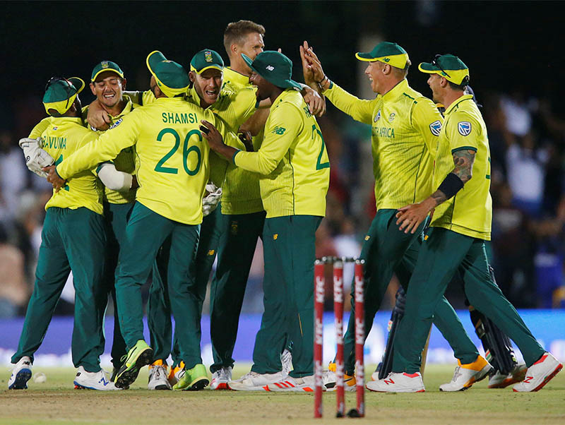 South Africa players celebrate after winning the match. Photo: Reuters