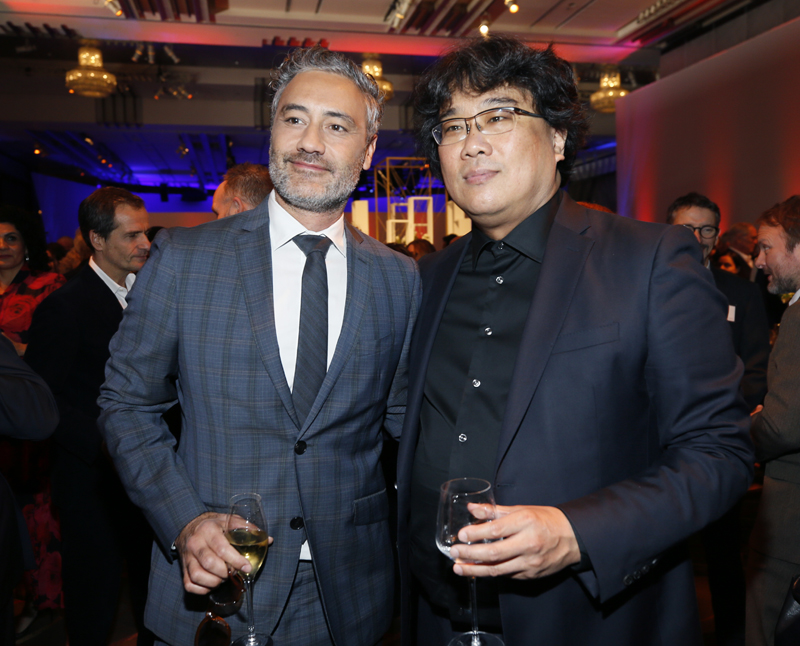 Taika Waititi, left, and Bong Joon-ho attend the 92nd Academy Awards Nominees Luncheon at the Loews Hotel on Monday, Jan 27, 2020, in Los Angeles. Photo: Danny Moloshok/Invision via AP