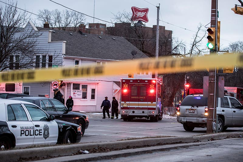 Police investigate a shooting at the Molson Coors headquarters in Milwaukee, Wisconsin, US February 26, 2020. Photo: Reuters