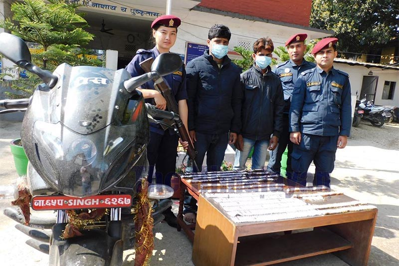 Police making public alleged drug smugglers along with seized contraband at the Area Police Office, Simara, on Tuesday, March 10, 2020. Photo: Puspa Raj Khatiwada/THT